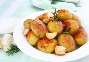 Молодой картофель в фритюрнице