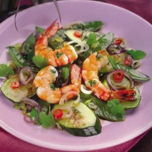 Обжаренные овощи с креветками